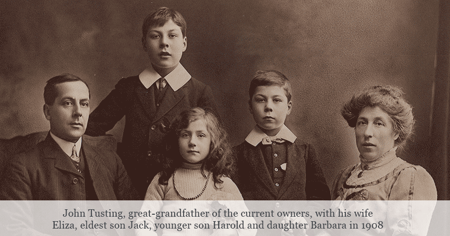 Archive Photo of the Tusting Family in Bedfordshire circa 1908